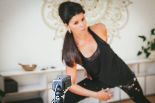 Sarah Kekus - yoga online